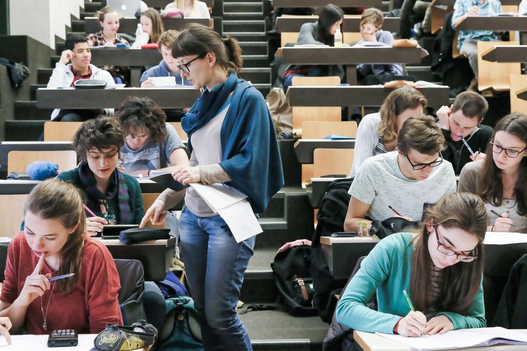 الزامات قانونی برای دانشجویان خارجی مقطع کارشناسی در ترکیه