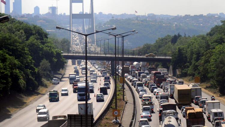 در قوانین راهنمایی و رانندگی در ترکیه حق تقدم با عابر پیاده می باشد
