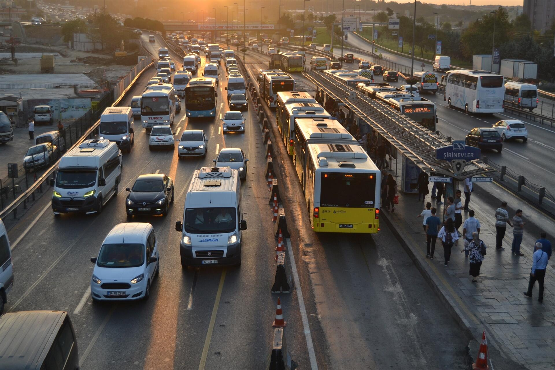 در قوانین راهنمایی و رانندگی در ترکیه مدارک ضروری که باید به همراه شما در ماشین باشد