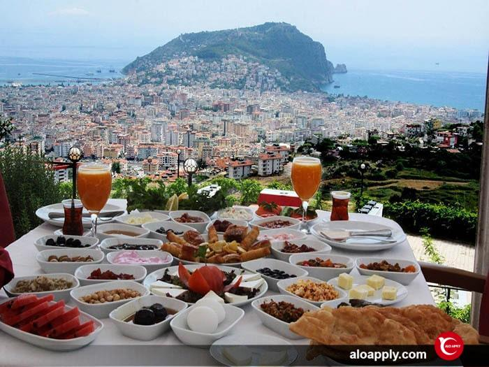 صبحانه سرپمه نقطعه تلاقی انواع صبحانه در ترکیه