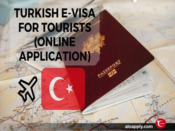 مدارک مورد نیاز برای درخواست اقامت توریستی یکساله