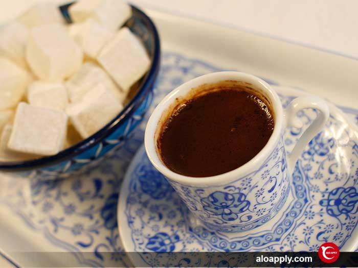 شیرینی لوکوم ( راحت الحلقوم ) باید در کنار قهوه باشد