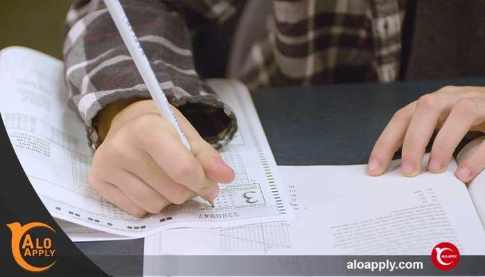 آزمون اس ای تی چیست ؟
