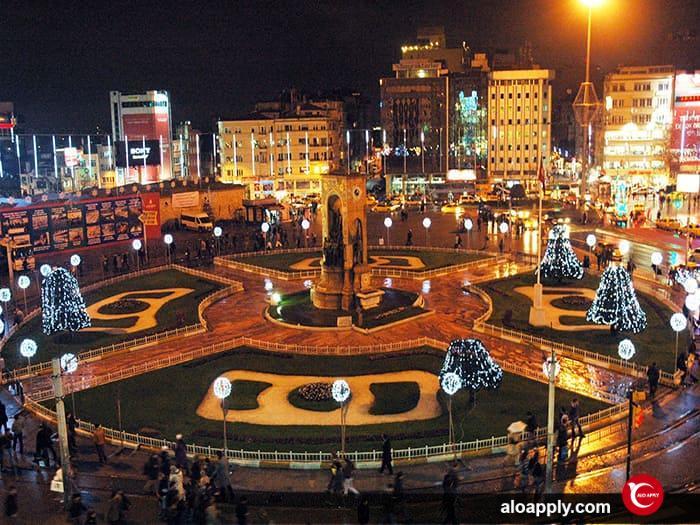 میدان تاکسیم استانبول