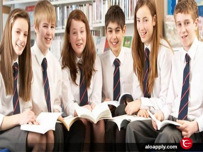 شرایط تحصیل افراد زیر ۱۸ سال در خارج از کشور