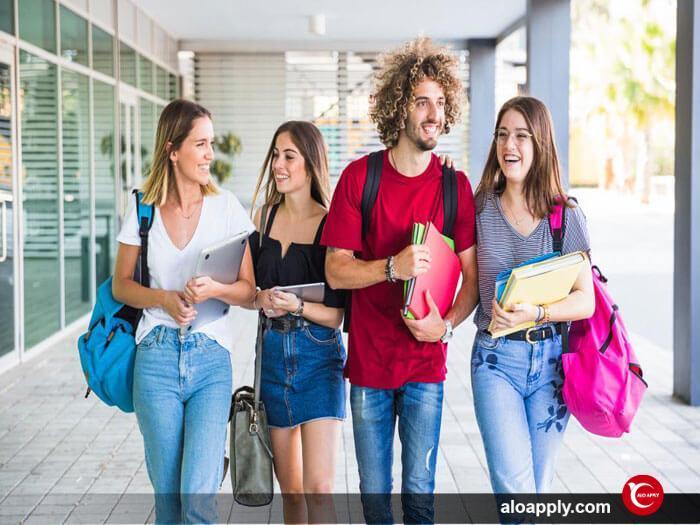 پشتیبانی دانشجو در دانشگاه Centennial college