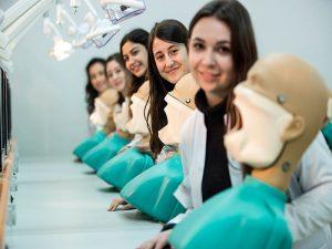 دانشگاه های دندانپزشکی استانبول